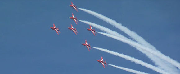 The Red Arrows treat Menorca to another flying visit!