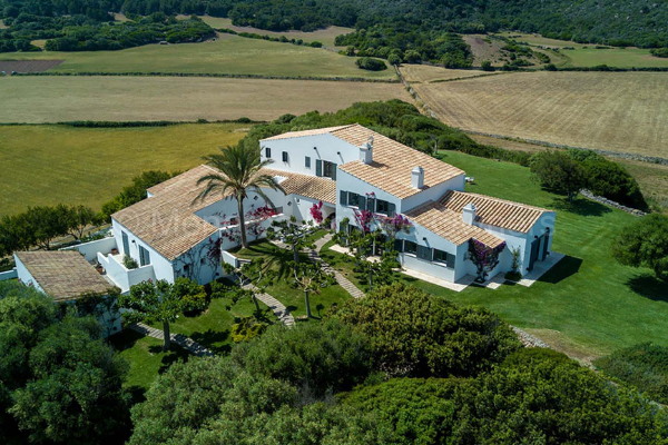 Luxury villa to rent in Menorca VN200